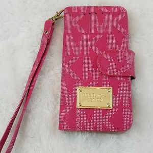 2 Michael Kors IPhone 6s cases ! ( Pink & Brown )